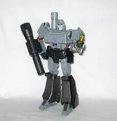 megatron transformers masterpiece mp 36 takara tomy 2017 16 (tjparkside) Tags: megatron transformers g1 series 1 1984 hasbro masterpiece mp 36 takara tomy 2017 transformer 2018 tf tak decepticon decepticons cartoon movie collector collectors card alternate face faces blaster pistol destron leader energy mace chain laser dagger sword key vector sigma faceplate smile crying damage damaged scope stock silencer walther p38 p 38 normal chest headgear nuclear charged fusion cannon