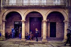 Centro histórico de Ribadavia (vmribeiro.net) Tags: espanha ribadavia galicia esp centro historico nikon d7000 judiaria judeus bike people photo
