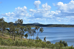 Paradise Dam (Dreaming of the Sea) Tags: landscape nikond7200 tamronsp2470mmf28divcusd bluesky clouds greenleaves gumtrees greengrass mountains water dam paradisedam burnettriver bundaberg queensland australia saturdaylandscape