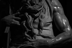 «Perché non parli!?» (frnrnd) Tags: architecture architettura archaeology archeologia light shadow luce ombre roma romano rome impero empire italia italy culture heritage blackandwhite biancoenero bn bnw sculpture scultura