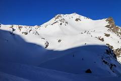 La via Verso l'Alto (Roveclimb) Tags: mountain montagna alps alpi vallese valais svizzera suisse sempione simplon ossola scialpinismo skitouring winter inverno snow schnee neve galehorn simplonpass engiloch sirvolte sirvoltesattel sirvoltesee shadow ombra