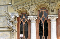 Art Nouveau / Liberty style in Torino (Sokleine) Tags: artnouveau libertystyle torino turin dragon vittoria détails italie italia italy piemonte piémont windows fenêtres fenster balcons balconies