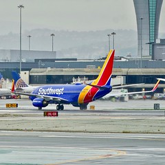 Southwest Airlines 2005 Boeing 737-700 N226WN c/n 32494 departing San Francisco Airport 2019. (planepics43) Tags: boeing southwestairlines 737 sfo sanfranciscoairport n226wn 32494