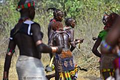 20180925 Etiopía-Turmi (731) R01 (Nikobo3) Tags: áfrica etiopía turmi etnias tribus people gentes portraits retratos culturas tradiciones escarificaciones travel viajes nikon nikobo joségarcíacobo social nikond800 d800 nikon7020028vrii hamer