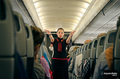 Indicaciones (.Alejandro Rubio.) Tags: plane azafata avion aeromoza stewardess board alerubio lanchile