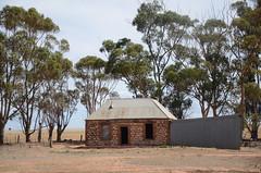 DSC_9657 abandoned farmhouse, North Boundary Road, 1.5km from Ridley Road, Punthari, South Australia (johnjennings995) Tags: abandoned farm farmhouse punthari southaustralia australia