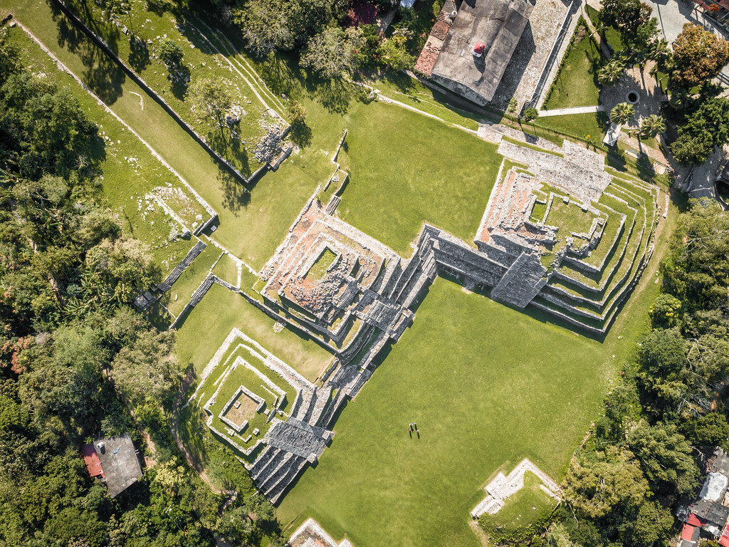 Yohualichan es un centro ceremonial.