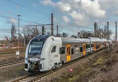 27_2019_02_22_Gelsenkirchen_Bismarck_CBB_1042_520_mit_0462_123_SDEHC_RRX_national_express ➡️ Herne_Abzw_Crange (ruhrpott.sprinter) Tags: ruhrpott sprinter deutschland germany allmangne nrw ruhrgebiet gelsenkirchen lokomotive locomotives eisenbahn railroad rail zug train reisezug passenger güter cargo freight fret bismarck akiem atlu bbl brll bug cbb ctd db de dispo hctor nrail rhc rpool sdehc 0275 0462 0632 0648 1024 1202 1214 1265 1266 3294 6145 6151 6152 6155 6185 6186 6241 rcedispolok rrx nationalexpress hectorrail mrcedispolok rb43 logo natur outdoor graffiti