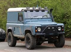 J606 WAW (2) (Nivek.Old.Gold) Tags: 1992 land rover defender 90 tdi hardtop 2495cc