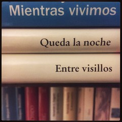 HAIKU DE ESTANTERÍA CLXXXII #haikusdestanteria (juanluisgx) Tags: leon spain book libro haiku estanteria haikusdeestanteria haikusdestanteria poema poem poetry poesia bookshelf