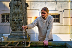 Luzern/Schweiz 21. März 2019 (karlheinz klingbeil) Tags: suisse stricken schweiz brunnen switzerland city fouintain knit knitting stadt luzern kantonluzern ch