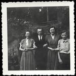 Archiv S141 Familienfoto, Zeitz, 1950er thumbnail