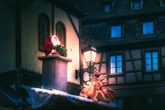 La magie de Noël (Ro Cafe) Tags: christmas colmar night winter christmasornaments decoration street noel santa alsace nikkor2470f28 sonya7iii