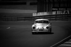 Le Mans Classic 18 (d200d700) Tags: lemans lemansclassic noiretblanc blackandwhite porsche porsche70ans lemansclassic2018 nikon nikond850 nikon500mm4 sportauto sportcars vintage vintageporsche automobile automobilia voituresanciennes voituresdecourses art aperture bugatti circuit
