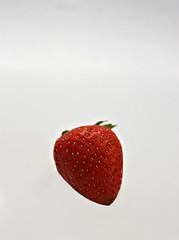 2019 Sydney: Strawberry (dominotic) Tags: 2019 food fruit strawberry red foodphotography yᑌᗰᗰy macro sydney australia