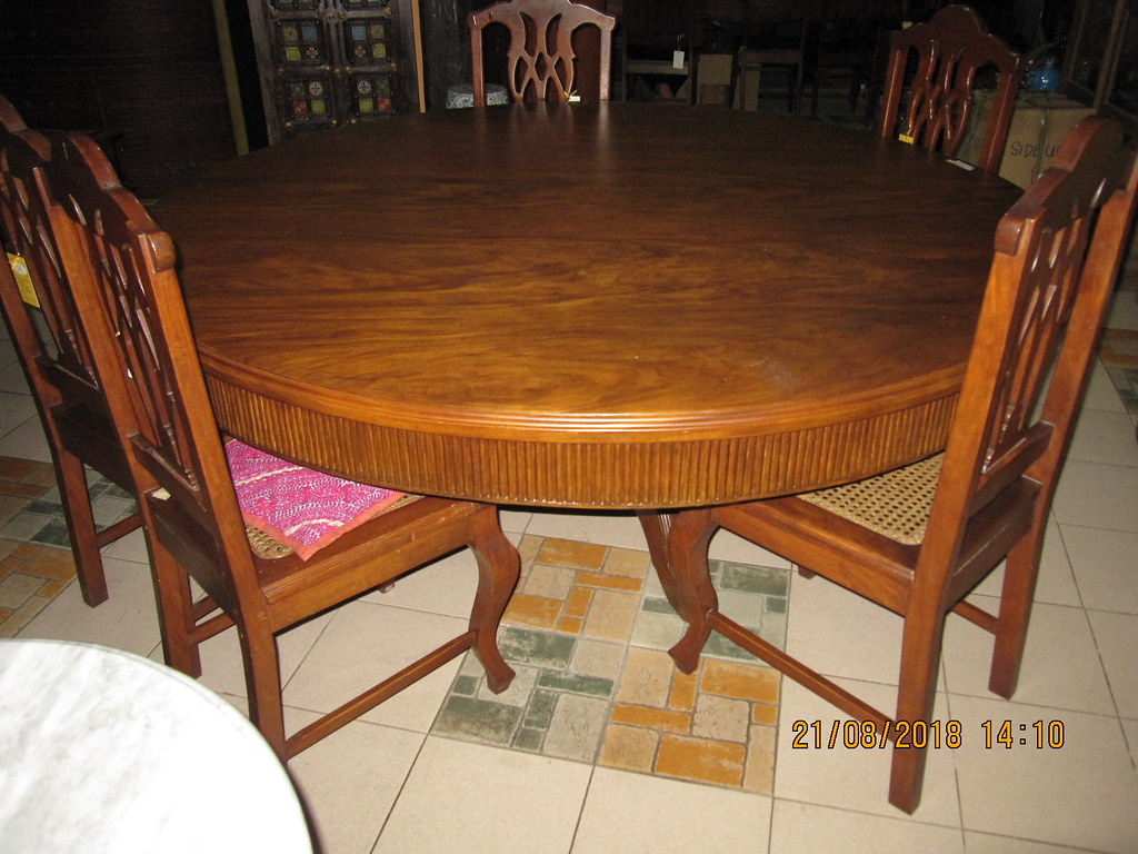 Round Table And Chairs (Leo Cloma) Tags: Philippines Filipino Antique  Furniture Antiques Joliza