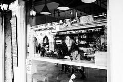 Dreaming (Angelo Petrozza) Tags: dream dreamin dreaming blackandwhite biancoenero bw venezia venice reflection riflesso lamps lampade streetphotography angelopetrozza 15mmlimited pentax