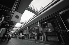 A scene taken on my daily commute 2019/01 No.11(taken by film camera). (HIDE@Verdad) Tags: leica leica1f voigtlander superwideheliar superwideheliar15mmf45 ilford xp2