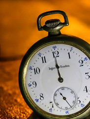 Time's Up (dianne_stankiewicz) Tags: hmm timepiece macromondays watch pocketwatch vintage old antique timesup macro timepieces