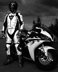 CBR guy (driver Photographer) Tags: 摩托车,皮革,川崎,雅马哈,杜卡迪,本田,艾普瑞利亚,铃木, オートバイ、革、川崎、ヤマハ、ドゥカティ、ホンダ、アプリリア、スズキ、 aprilia cagiva honda kawasaki husqvarna ktm simson suzuki yamaha ducati daytona buell motoguzzi triumph bmv driver motorcycle leathers dainese motorcyclist motorrrad
