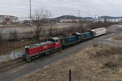 LVRM 130 @ Iron Hill Yard (Dan A. Davis) Tags: lehighvalleyrailmanagement lvrm endcab emd train locomotive railroad freighttrain bethlehem pennsylvania pa sw1500 mp15dc