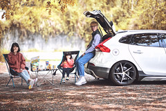 快五年了還是很享受VOLVO生活 (M.K. Design) Tags: taiwan hehuanshan mthehuan travel family life volvo volvoforlife v40 v40crosscountry v40cc crossover hatchback wagon modified erst picnic children baby girl kw apracing nikon nikkor z6 zmount mirrorless mirrorlesscamera milc bokeh 105mmf14e tele portrait 台灣 合歡山 花蓮 關原加油站 家庭 親子 野餐 生活 旅行 roadtrip 公路旅行 中橫 富豪 瑞典國寶 掀背車 北歐 跨界 尼康 無反 無反光鏡相機 立體感 定焦鏡 長焦 淺景深 散景