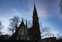 Oscar Fredriks Kyrka (Rudi Pauwels) Tags: goteborg gothenburg sverige sweden schweden januari januari2019 2019 tamron 18270mm tamron18270mm nikon d7100 nikond7100 linnestaden oscarfredrikskyrka clouds sky afternoon