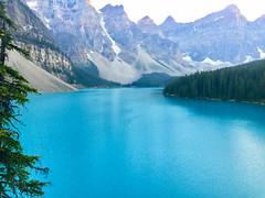 Moraine Lake, Canada (Yesi Santacruz) Tags: valleyofthetenpeaks canadianrockies banffnationalpark banff morainelake lake turquoise nature