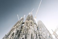 Sagrada Familia (Max Pa.) Tags: barcelona spanien spain sun sky city cityscape travel canon 5d 2470mm sagrada familia church kirche gaudi architektur architecture blue light