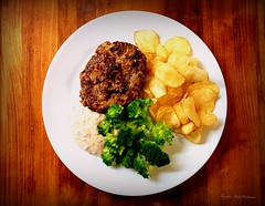 Patty. (Papa Razzi1) Tags: patty burger beef moliterno dinner crisps parmesan sauce pepper chives västerbotten