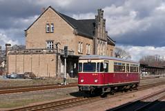Ausfahrt Quedlinburg (Klaus Z.) Tags: eisenbahn kbs 333 quedlinburg br 187 triebwagen hsb fischstäbchen bahnhof frühling harz