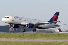 N377NW - 3/22/19 (nstampede002) Tags: delta deltaairlines airbus airbusa320 airbusa320200 a320 a320200 katl aviationphotography commercialaviation landing airliner