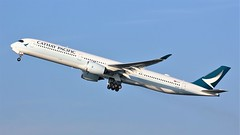 B-LXF (AnDyMHoLdEn) Tags: cathaypacific a350 oneworld egcc airport manchester manchesterairport 23r