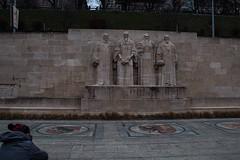 Il muro dei riformatori, Ginevra (vannuc) Tags: architettura architecture art riformatori wall walking muro trip travel canon marco svizzera swiss ginevra geneva