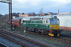 "Preserved & Main Line Certified British Railways Green Liveried Class 33/0, D6515 ""Lt Jenny Lewis RN"" (37190 ""Dalzell"") Tags: br britishrailways green birminghamrailwaycarriagewagonco brcwco sulzer crompton class33 class330 d6515 ltjennylewisrn 33012 wcrc westcoastrailwaycompany bls branchlinesociety therubyvampirethesecondbite chartertrain railtour northwestern wallgate wigan"
