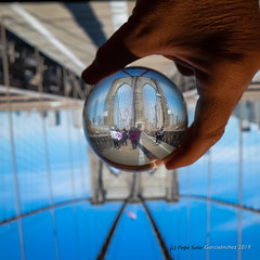 Brooklyn Bridge (Pepe Soler Garcisànchez) Tags: boladecristal juguetes nyk2018 newyork nuevayork broadway crystalball jfk memorial toys brooklyn brooklynbridge dumbo