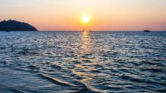 Koh Lipe (Cédric Nitseg) Tags: nikon asie ciel backpacking couché boat mer ocean greelow bateau sun kohlipe sea backpacker sunset travel travelling voyage soleil sky couchédesoleil d7000 asia thaïlande thailand