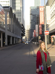 Laura, Rotterdam 2019: Lighting up the day (mdiepraam (35 mln views)) Tags: laura rotterdam 2019 portrait pretty attractive beautiful elegant classy gorgeous dutch blonde girl woman lady naturalglamour wilhelminakade coat scarf