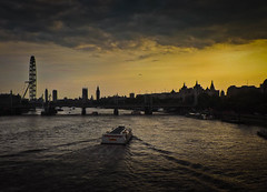 Thames sunset (Justgetdancey) Tags: thames river sunset london england uk britain greatbritain building skyline londonskyline