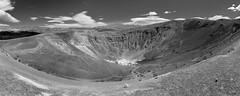 Ubuhebe Crater (Tasmanian58) Tags: bw nb crater ubuhebe death valley california usa zeiss batis 2818 18mm wideangle landscape blackwhite noirblanc monochrome sony a7ii