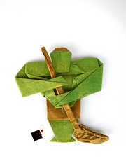 greenwashing (-sebl-) Tags: greenwashing green heroe hulk marvel avengers origami white wash sebl