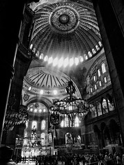 Santa Sofía (Blas Tovar) Tags: santasofia interior europa 02profesionales bn arquitectura estambul geográficas luces país turquía amazingarchitecture archidaily archidesign archilovers archiporn architecture architecturephotos architetturaarchitecturephotography blackandwhitephotography bnw bnwcaptures bnwlife bnwplanet bnwsociety bright bw bwlover bwphotooftheday bwsociety dark decor decoration dusk hagiasofia homedecor igersbnw instaarchitecture interior123 interior4all istanbul light lights monoart monochrome mosque noir shadow shine turkey معماری アーキテクチャ