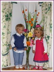 Frühlingsfarben / Spring colours (ursula.valtiner) Tags: puppe doll luis bärbel künstlerpuppe masterpiecedoll frühling spring blumen flowers