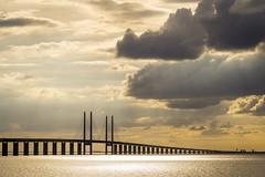 Sweden - Øresund Bridge (Marcial Bernabeu) Tags: marcial bernabeu bernabéu europe europa scandinavia escandinavia sweden swedish suecia sueco sueca oresund bridge puente sunset puesta sol sky clouds nubes øresund