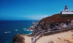 Farol do Cabo da Roca, Portugal (_luckyloser_) Tags: travel lisboa cascais sintra westernmostcapeofeurope westerneurope farol cabodaroca atlantic portugal coast coastal lighthouse cape cabo architecture building europe