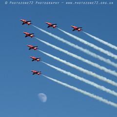 0160 7 ship arrival Moon R1 R2 R3 R4 R6 R7 R8 (photozone72) Tags: raf rafat redarrows reds redwhiteblue aviation aircraft jets hawk canon canon100400f4556lii canon7dmk2 7dmk2 scampton lincolnshire