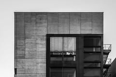 Living' in a box (Iso_Star) Tags: ilce7m3 düsseldorf monochrome einfarbig schwarzweiss bw tamron tamron2875mmf28 2875mmf28 ciry stadt medienhafen haus gebäude building box treppen stairs fenster windows