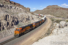 Kingman Approach 2 (Josh 223) Tags: kingmanarizona kingmancanyon transcon bnsf burlingtonnorthernsantafe freighttrain diesellocomotive kingman arizona az mojavecounty mojavedesert train railroad railway railroadphotography railfanning trainspotting