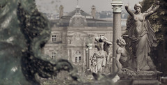 Dream body (Jean-Luc Peluchon) Tags: fz1000 monochrome paris capitale capitalcity art artistic architecture france
