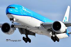 PH-BVU KLM Boeing 777-306(ER) DSC_1987 (Ron Kube Photography) Tags: aircraft plane flight airliner nikon nikond500 d500 ronkubephotography yyc calgary calgaryinternationalairport phbvu